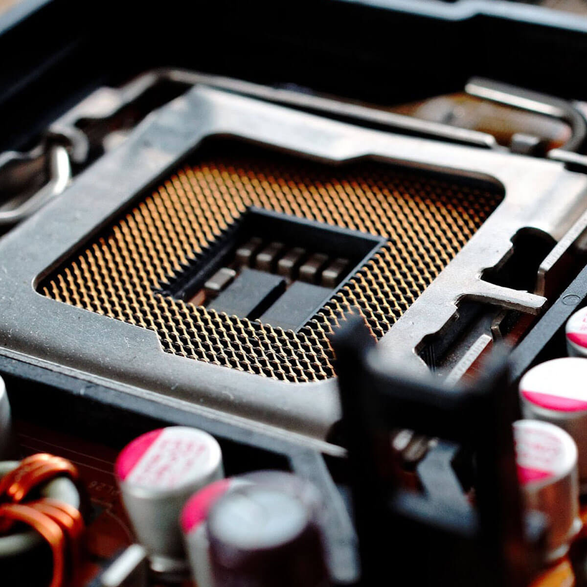 Installing a new cpu on motherboard